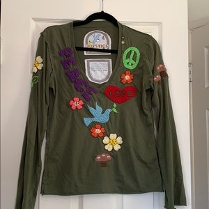 Green embroidered peace and love long sleeve tee